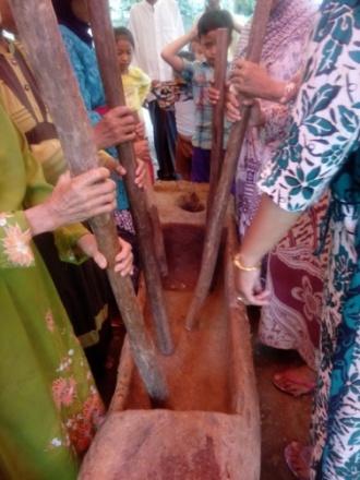 Read more about the article Uniknya Lesung pada Seni Gendreh di Desa Cileles Kabupaten Lebak Banten