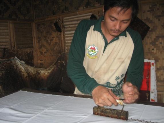 You are currently viewing Sanggar Batik Betawi di Setu Babakan