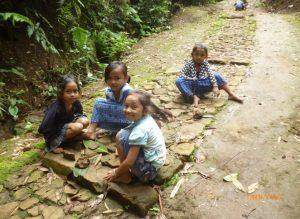 Read more about the article Liliuran di Baduy, Membuat Pekerjaan Berat Menjadi Ringan