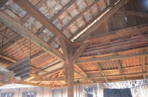Read more about the article Kenapa Rumah Tradisional Kampung Wana di Lampung Timur Tahan Gempa