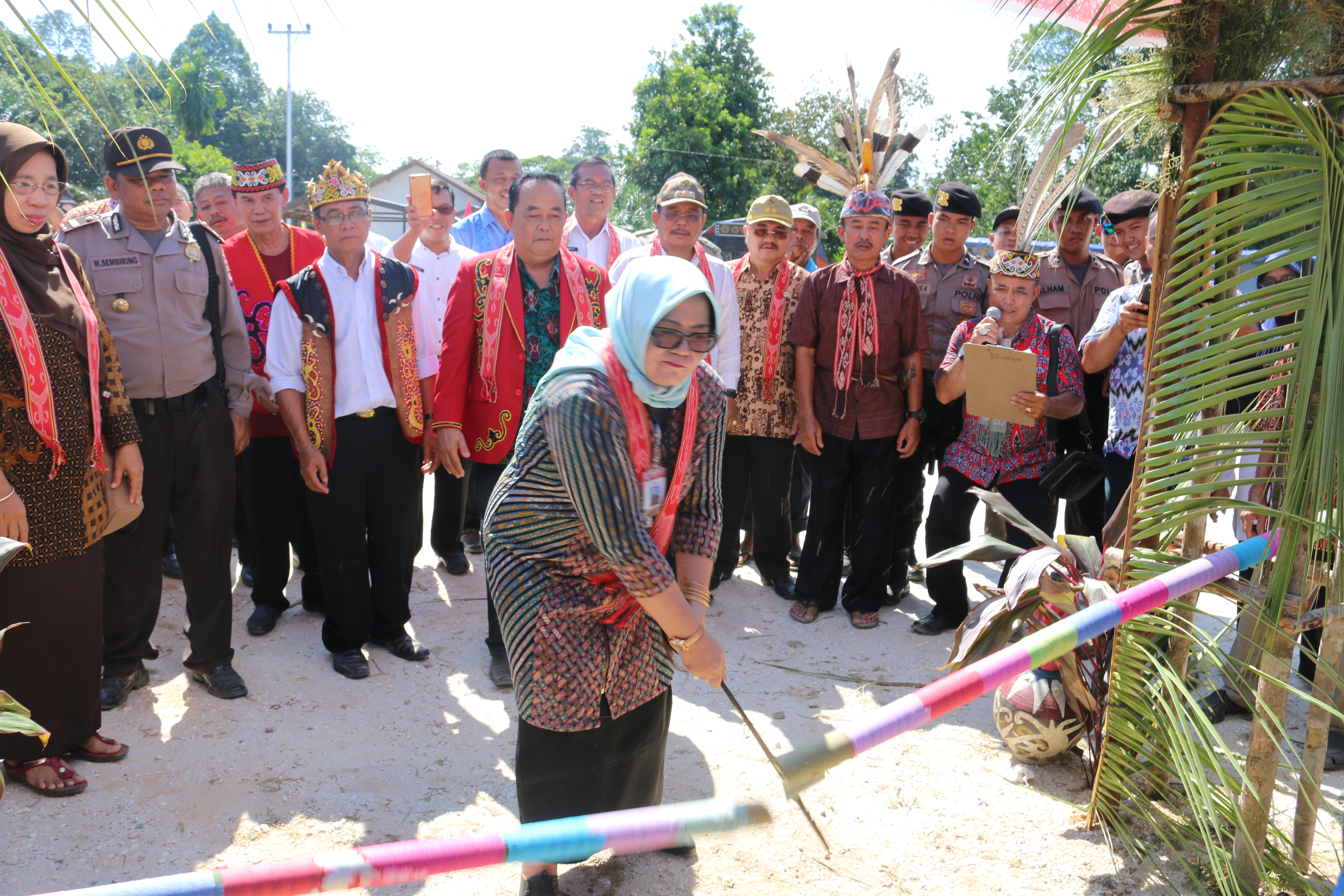 You are currently viewing Peresmian Rumah Betang di Kabupaten Sekadau, Wujud dari Program RDA