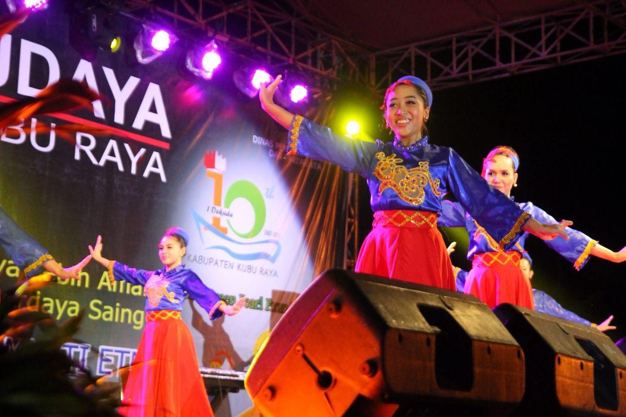 Read more about the article HUT 1 Dekade, Pemda Kubu Raya Adakan Pagelaran Seni Multi Etnis