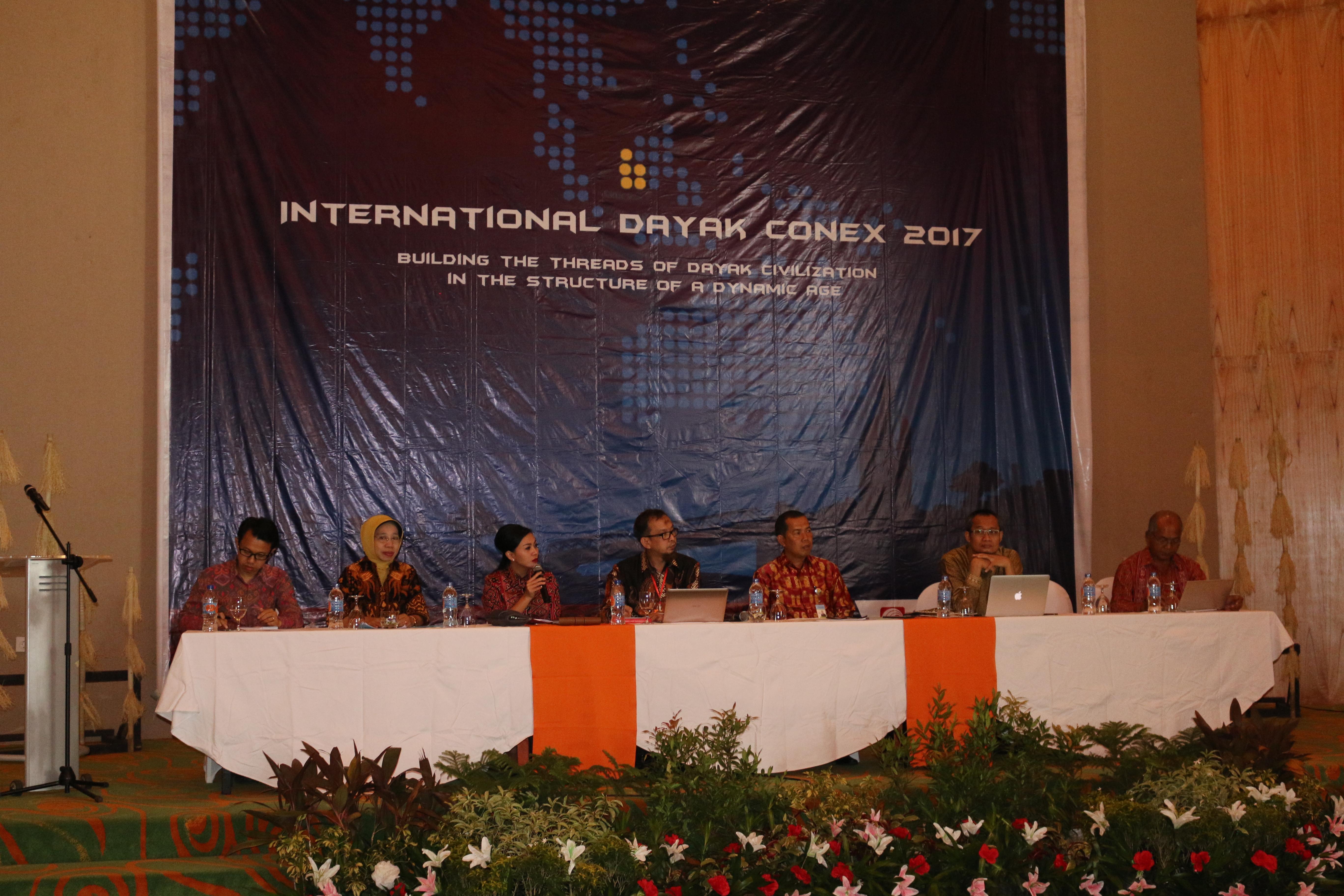 Read more about the article Kepala BPNB Kalbar wakili Mendikbud dalam Kongres Dayak Internasional I