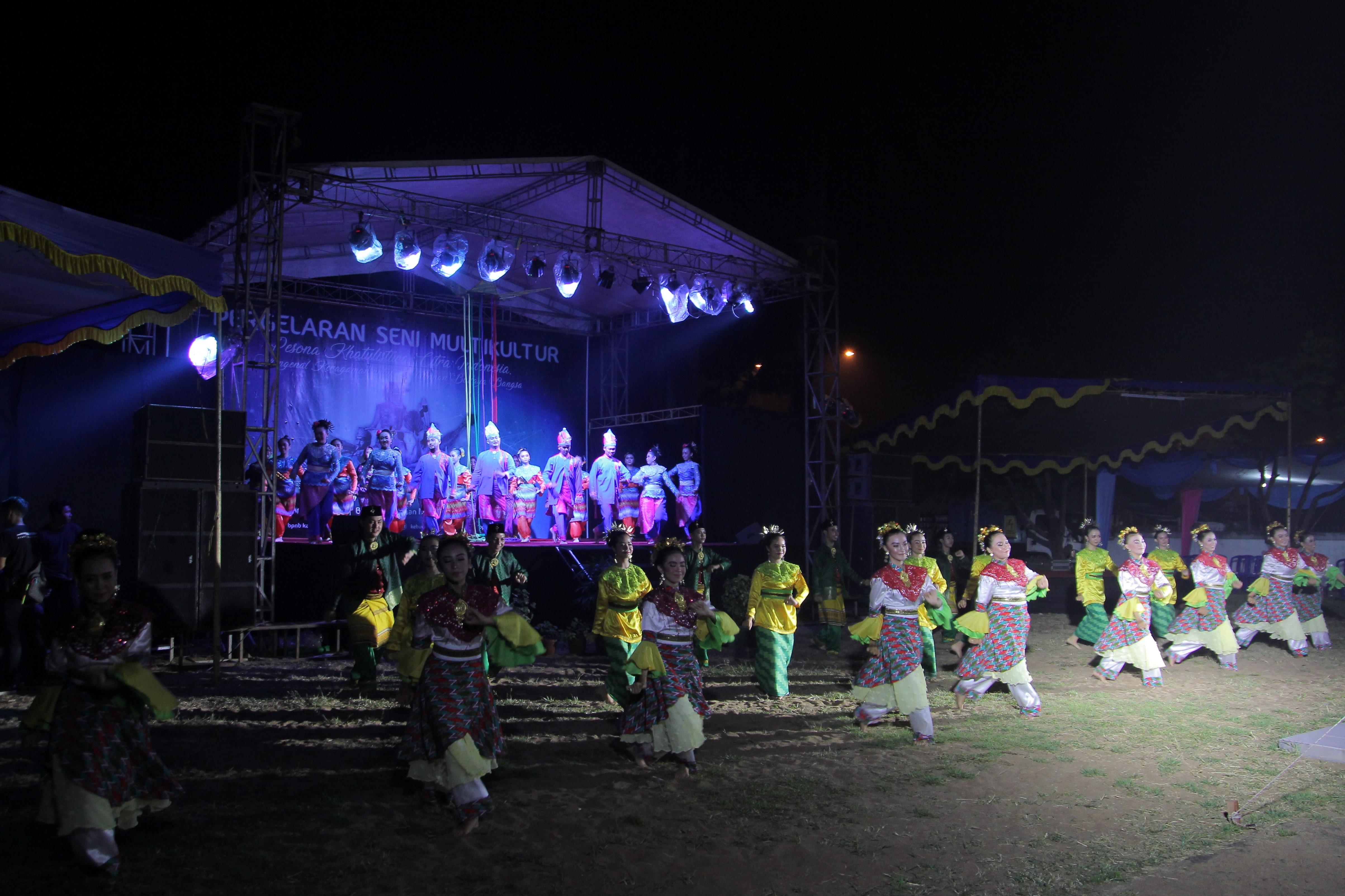 You are currently viewing 10 Sanggar Tampil pada Kegiatan Seni Multikultur BPNB Kalimantan Barat