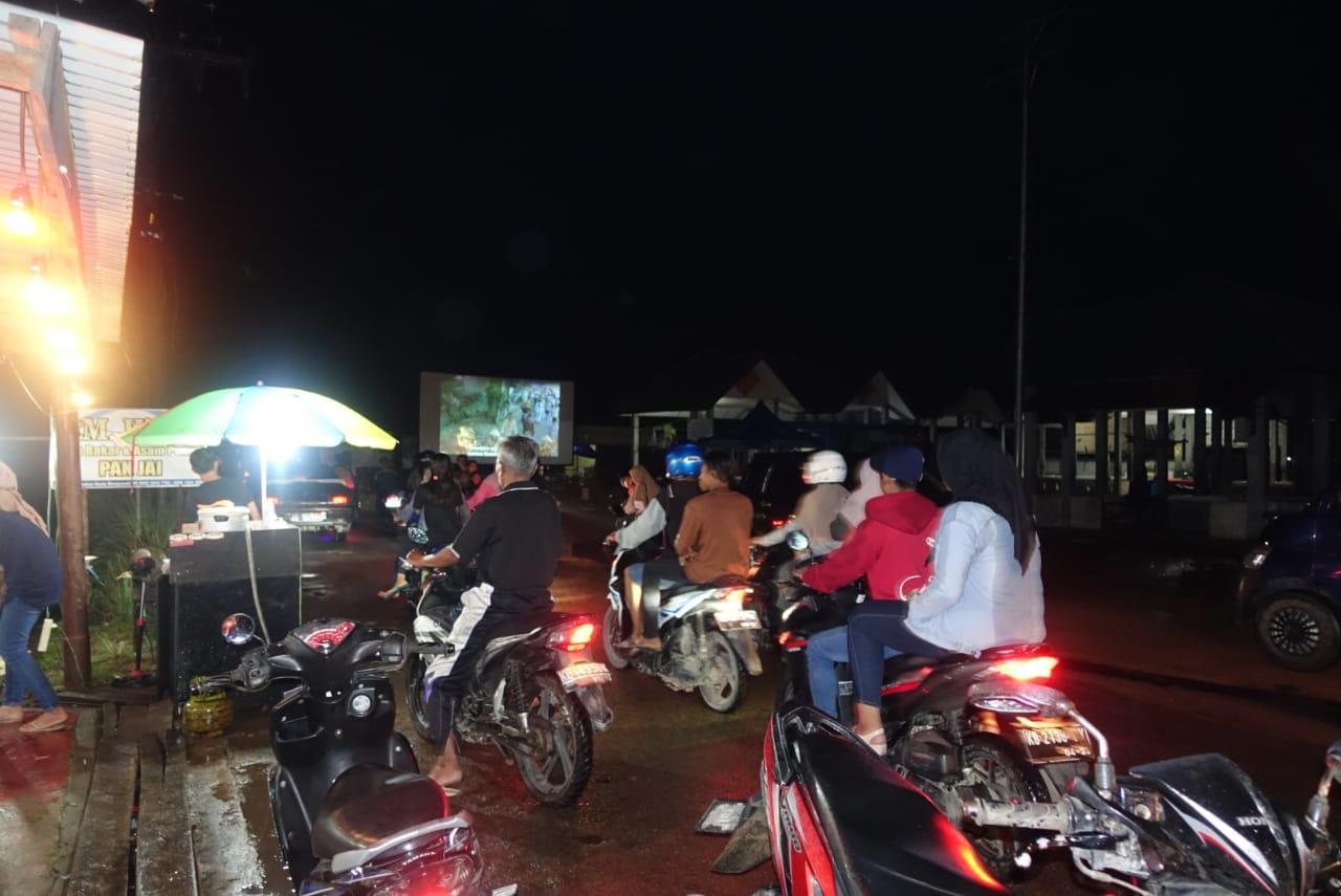 Read more about the article Bioling BPNB Kalbar Meriahkan Robo'-Robo' Dengan Pemutaran Film Laskar Pemimpi