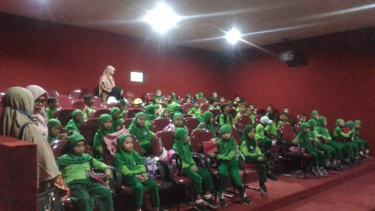 Read more about the article Film Bertema Pendidikan dan Dokumenter Hadir di Bioskop BPNB Kalbar