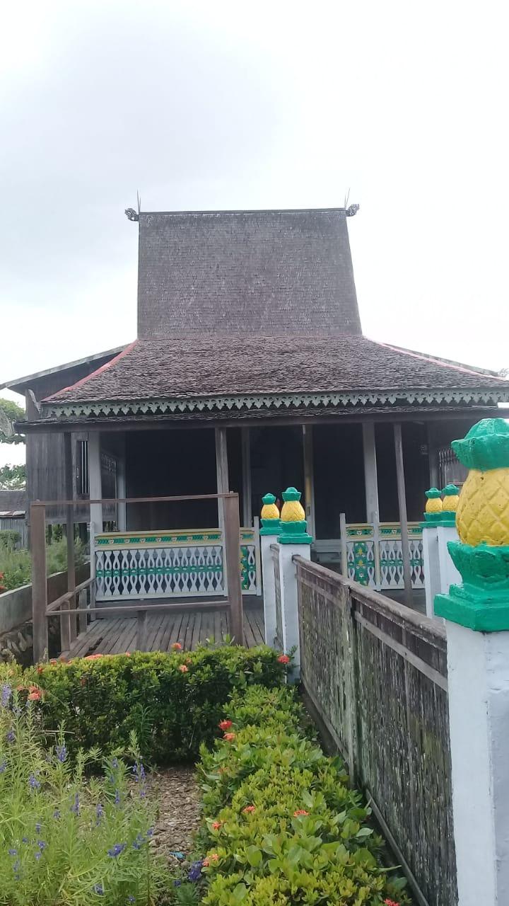 Read more about the article Rumah Bubungan Tinggi