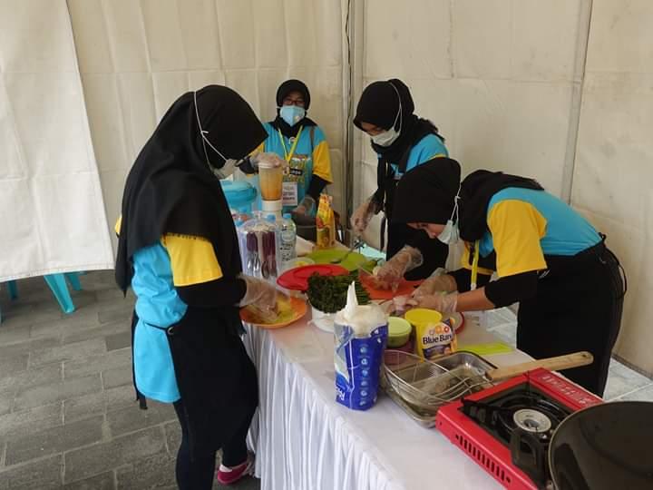 Read more about the article Lomba Masak Hasil Sungai Meriahkan Festival Sungai Kapuas