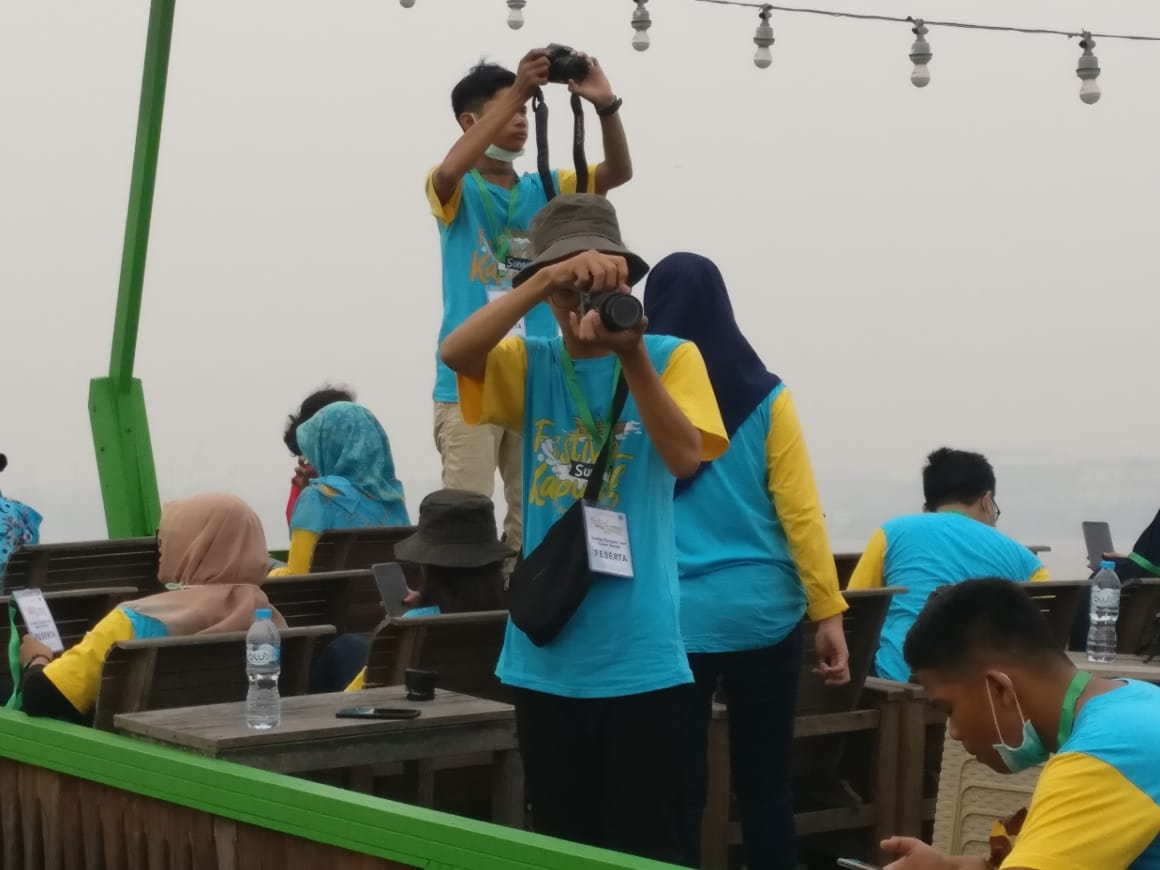 Read more about the article Lomba Fotografi dan Susur Sungai :  Salah Satu Kegiatan Festival Sungai Kapuas