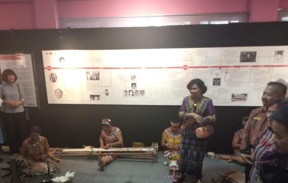 Read more about the article Festival Tenun Ikat Sintang dan Seminar Internasional Tekstil 2019