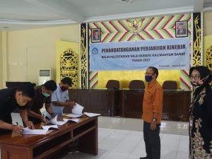 Read more about the article Penandatanganan Surat Perjanjian Kerja PPNPN BPNB Kalbar Tahun 2021
