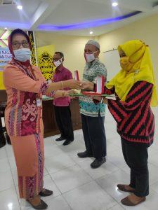Read more about the article Kepala BPNB Kalimantan Barat Serahkan Satyalancana Karya Satya XXX Tahun Kepada Tiga Staf BPNB Kalimantan Barat