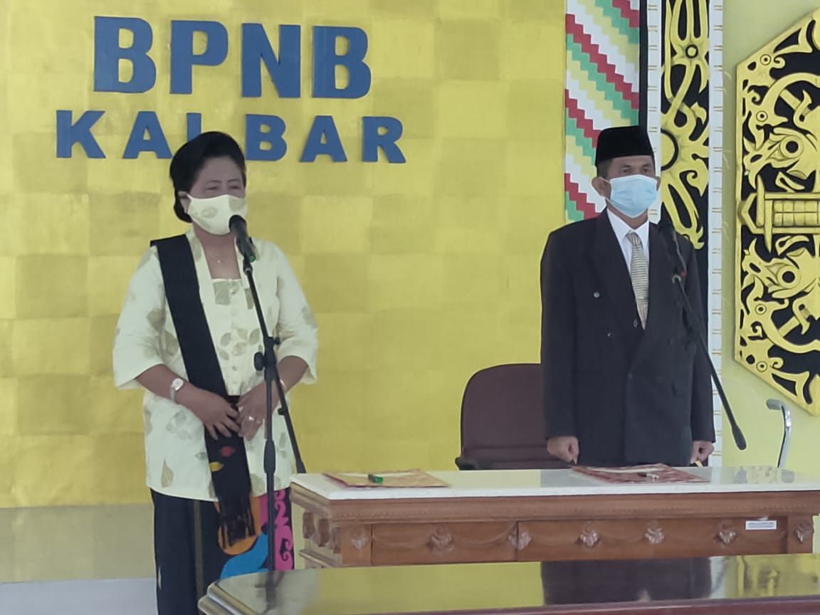 Read more about the article Dirjen Kebudayaan Lantik Empat Pejabat Fungsional Pamong Budaya BPNB Kalimantan Barat
