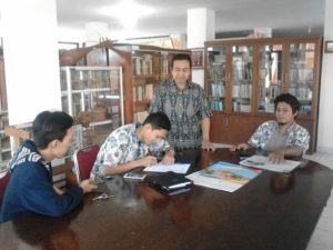 Read more about the article Ketika Penggiat Budaya Bertemu Mantan Pamong Budaya