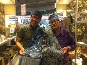 Read more about the article Zainul Bahri, Perajin Batik Senior Jambi