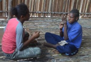 Permainan Tradisional Kweritop Yang Hampir Punah Di Boven Digoel Papua Balai Pelestarian Nilai Budaya Papua