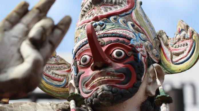 Sekelumit Kisah Penjaga Budaya Tari Topeng Malang di Sanggar Asmoro Bangun