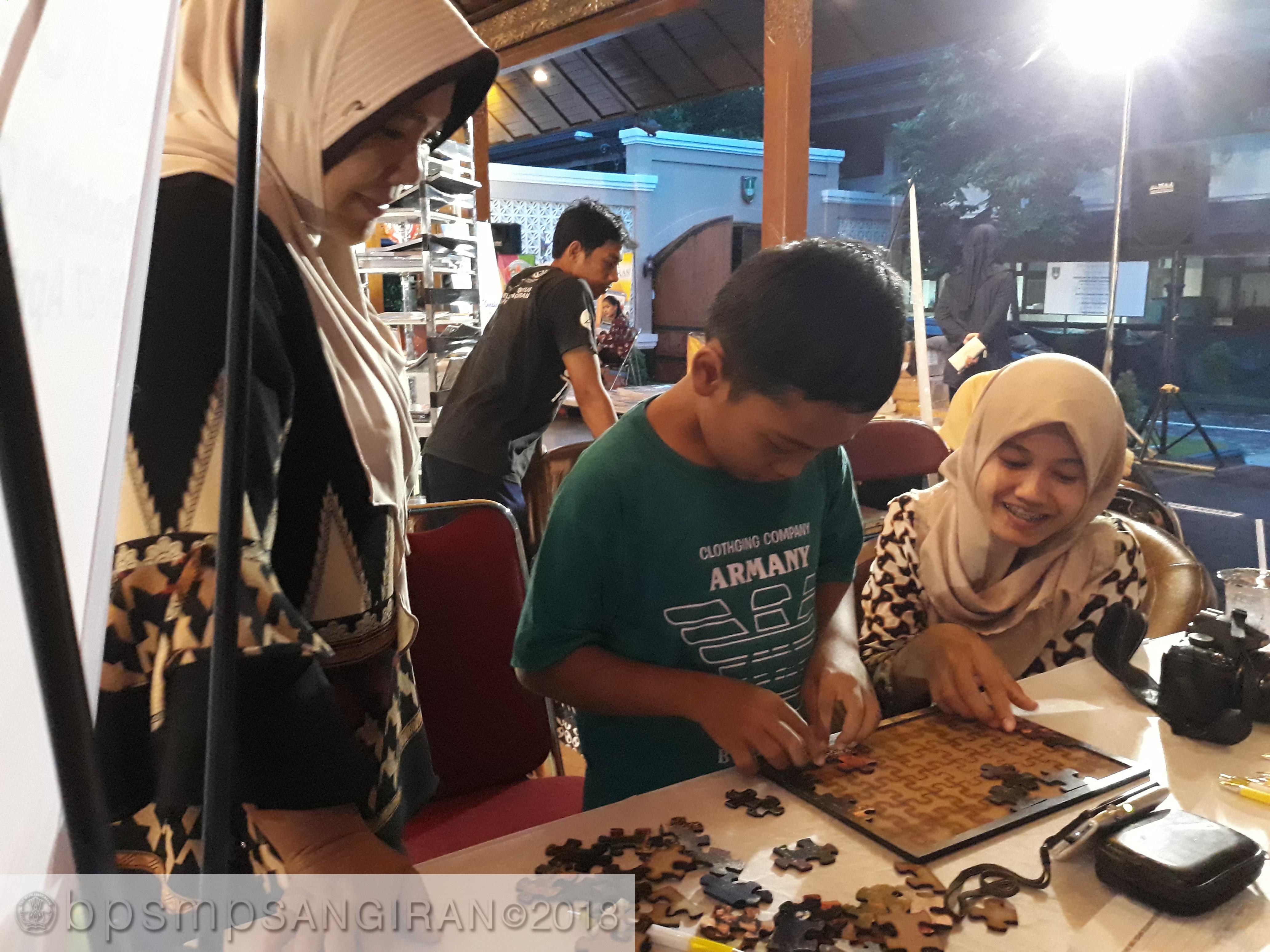 """Read more about the article Puzlle di Pameran, """"Ini Sulit Tapi Akan Saya Coba"""""""