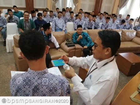Read more about the article Saat Para Santri Tergoda dengan Pengetahuan dan Teknologi