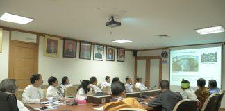 revitalisasi kampung tarung