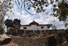 Masjid Gala berada di Jl. Sunan Pandanaran, Mendin, Desa Paseban, Kecamatan Bayat, Kabupaten Klaten, Jawa Tengah. (foto: Sungkono)