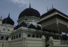 Masjid Azizi Tanjung Pura, Langkat, Sumatera Utara