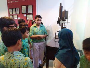 Read more about the article Siswa SD Ar-Rahman Motik Belajar Kedokteran di Museum Kebangkitan Nasional