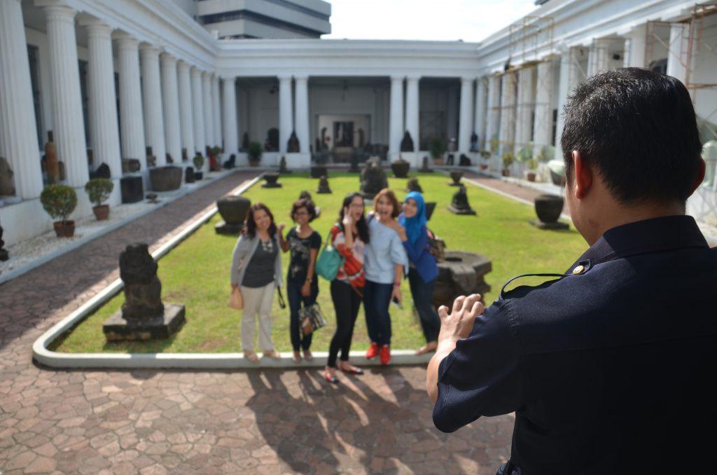 Pengunjung Museum Nasional Indonesia