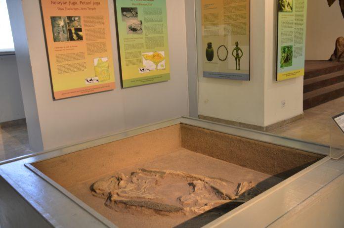 Salah satu sudut ruang pamer di Museum Nasional yang membahas tentang situs Gilimanuk