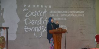 Direktur Sejarah, Kemdikbud menyampaikan sambutan pada pembukaan pameran Surat Pendiri Bangsa di Museum Nasional