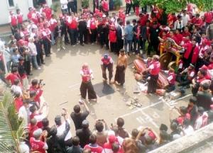 You are currently viewing Debus Banten Seni Tradisional Yang Mengagumkan dan Mengerikan