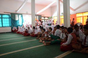 Read more about the article Bioskop Keliling Meriahkan Penutupan Pengenalan Lingkungan Sekolah