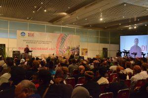 Dialog masyarakat adat