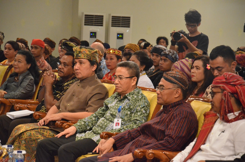 You are currently viewing Kemdikbud Gelar Dialog Bersama Masyarakat Adat