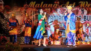 Read more about the article Pertunjukkan Tari dari Kota Seribu Sungai