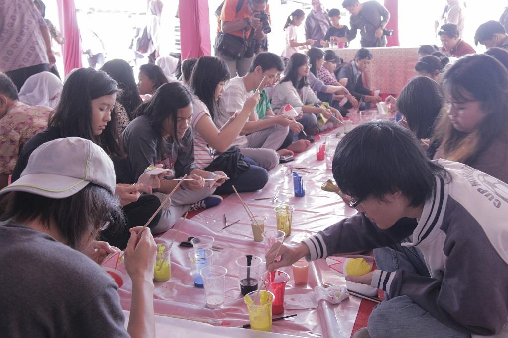 You are currently viewing Museum Nasional Ajak Generasi Muda melukis Topeng Yogyakarta