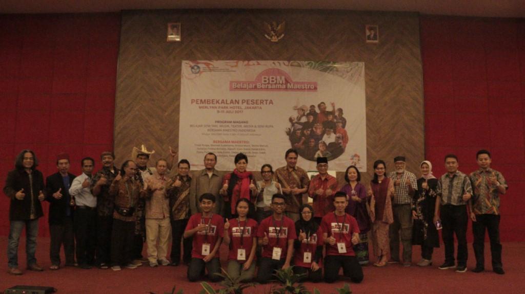 Read more about the article Titiek Puspa: Tekankan Cinta Sebagai Landasan Hidup Sesama