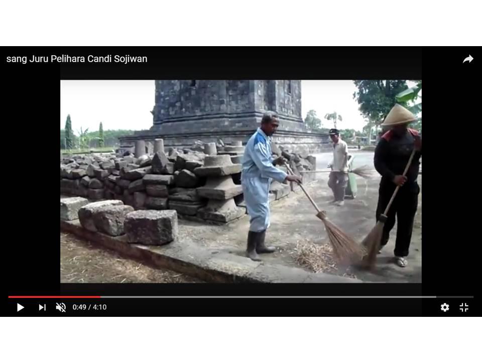 Read more about the article Sang Juru Pelihara Candi Sojiwan