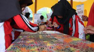 Read more about the article Kenalkan Batik Hingga ke Palu