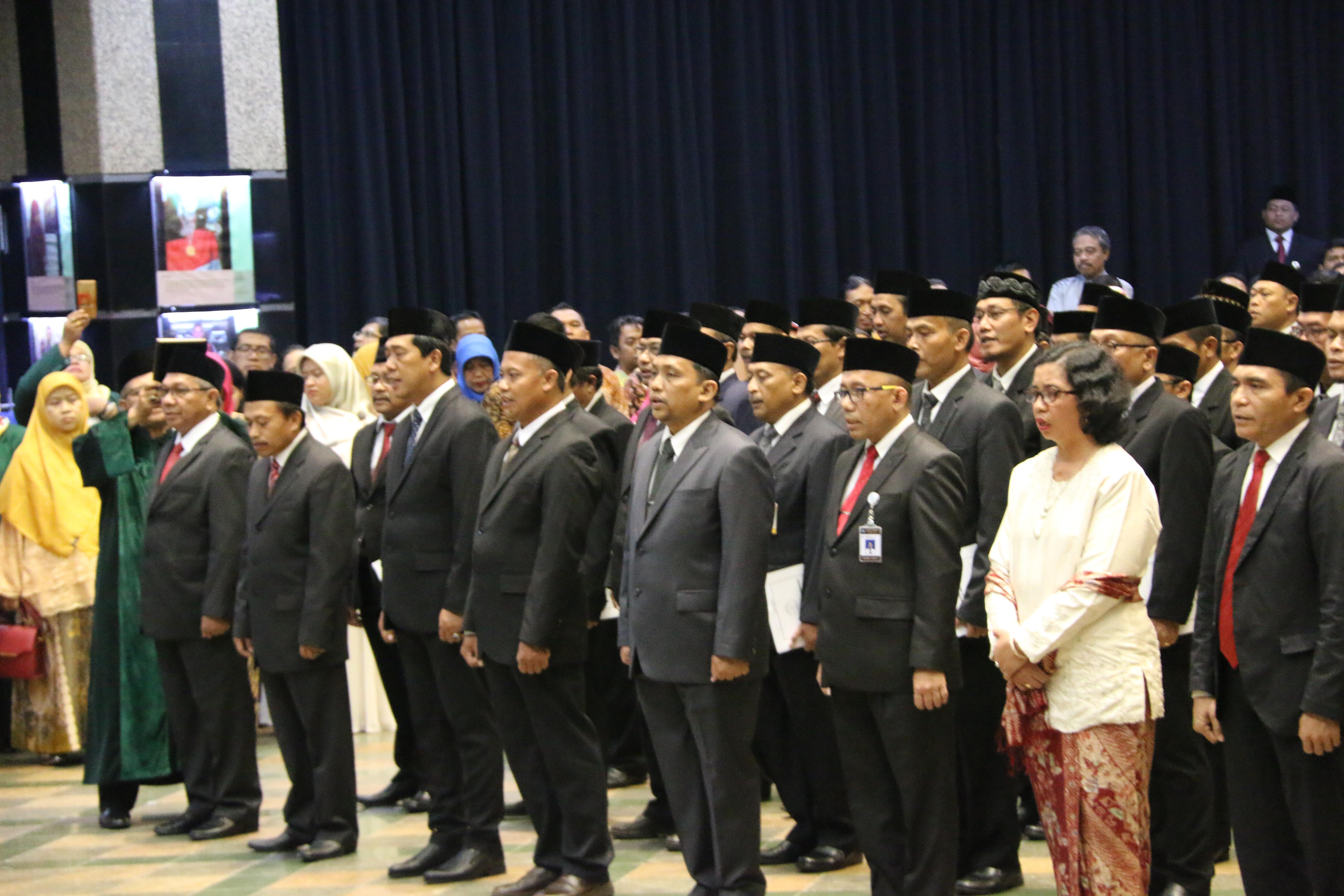 You are currently viewing Lantik 135 Pejabat, Mendikbud Ingatkan Pentingnya Penyegaran Organisasi