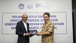 Read more about the article Ditjen Kebudayaan dan PT MRT Jakarta Jalin Kerjasama Sebarkan Informasi Kebudayaan